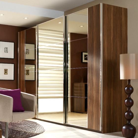 Wardrobes for small hong kong apartments raven tao for Apartment wardrobe design