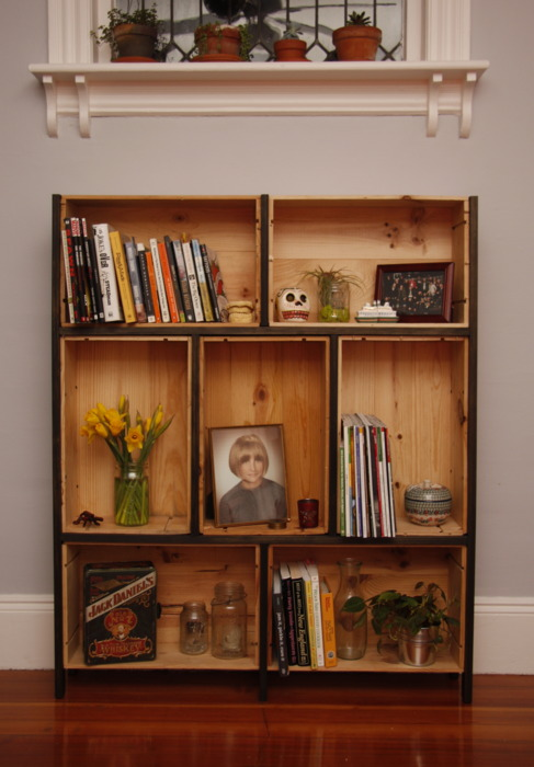 How to use wine boxes as awesome shelving raven tao for Wine crate furniture