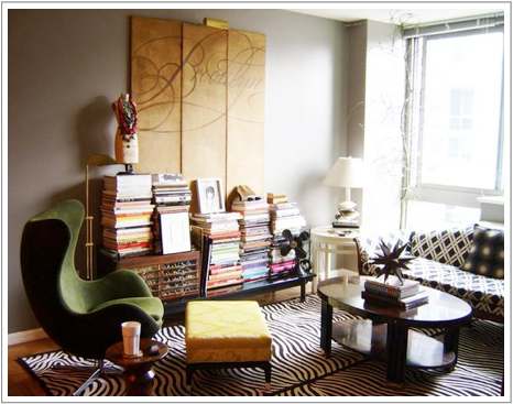 Cool small spaces apartment therapy raven tao big city small apartment - Making most of small spaces property ...