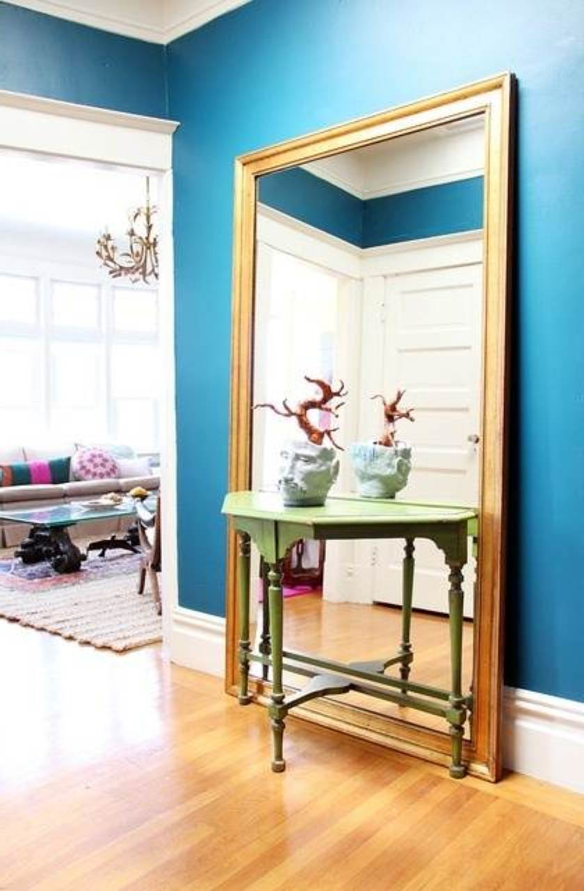 Decorating with small mirrors